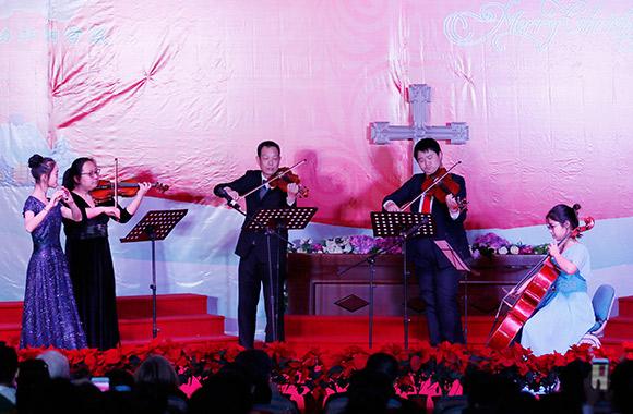 蒋颖姊妹的小提琴独奏《圣诞夜》以及恩典室内乐团的长笛弦乐四重奏